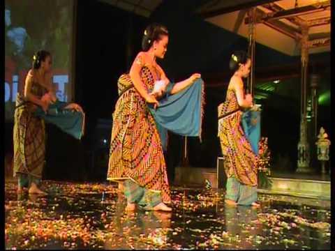 Solo Menari 24 Jam dalam rangka World Dance Day